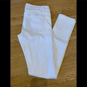 Womens skinny white jeans (size 5)